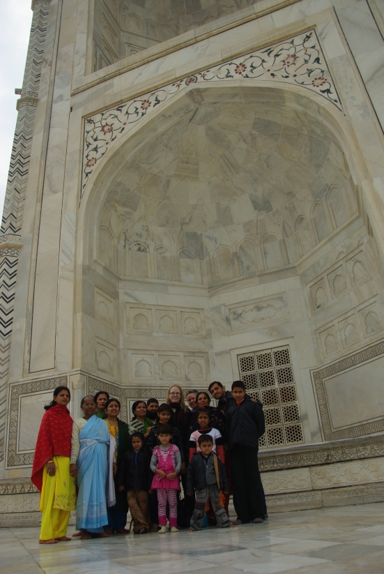 Tilfeldig møte ved Taj Mahal. Foto: Kari Rognerud Granlund